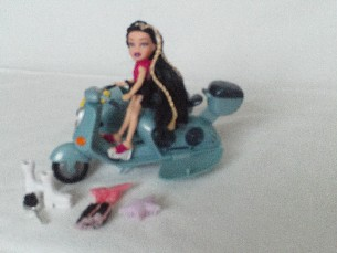 Adorable 'Lil Bratz Doll + Motorbike & Sidecar' & Extra Set of Clothes